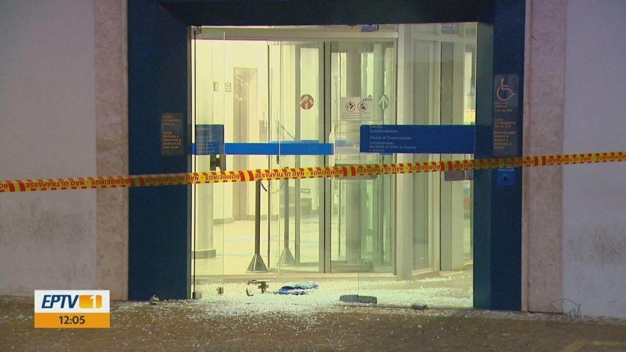Quadrilha explode cofre da Caixa Econômica em São Carlos
