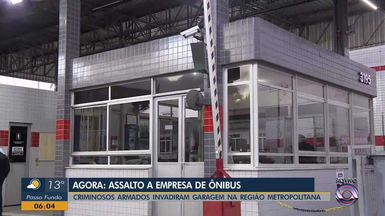 Criminosos invadem empresa de ônibus em Gravataí