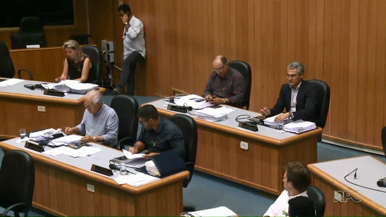Vereadores aprovam projeto de lei sobre taxa da coleta de lixo em Londrina