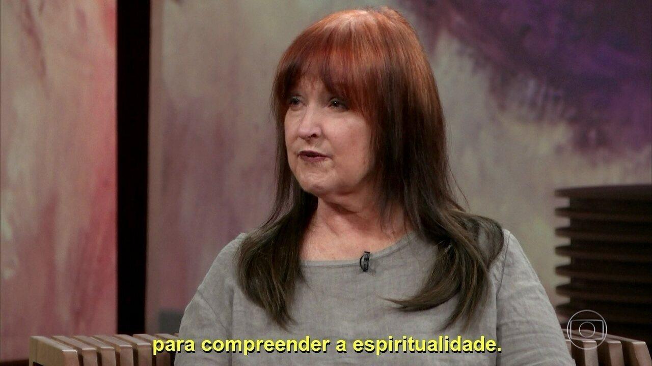 Amy Biank conta como era o seu trabalho com João de Deus