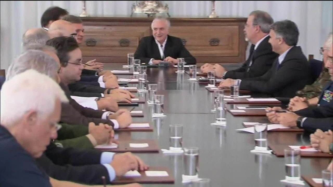 Conselhos da República e da Defesa se reúnem com Temer