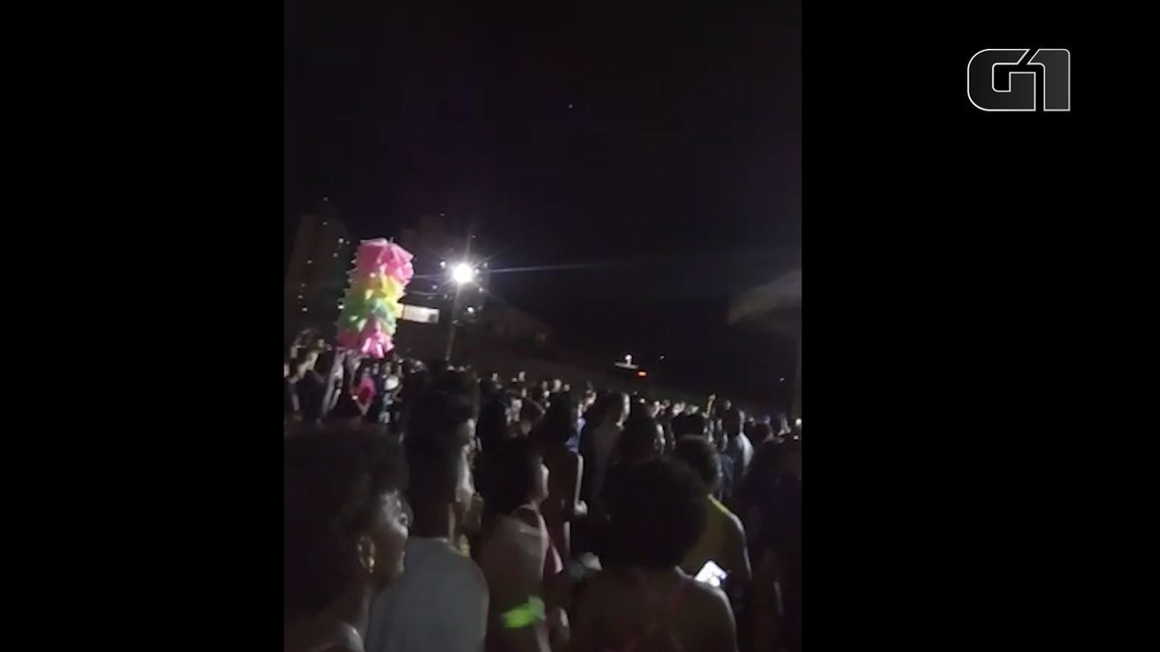 Público pede ressarcimento durante evento gospel no Parque de Exposições de Salvador