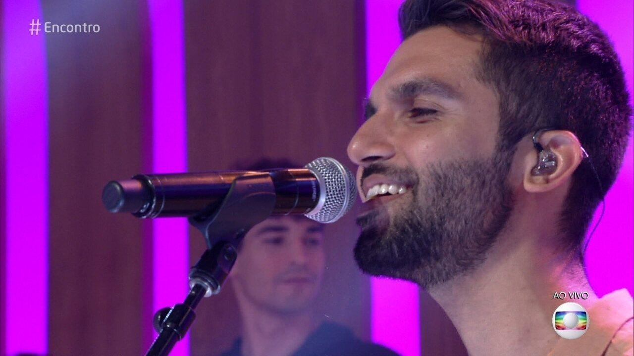 Silva abre o 'Encontro' com música