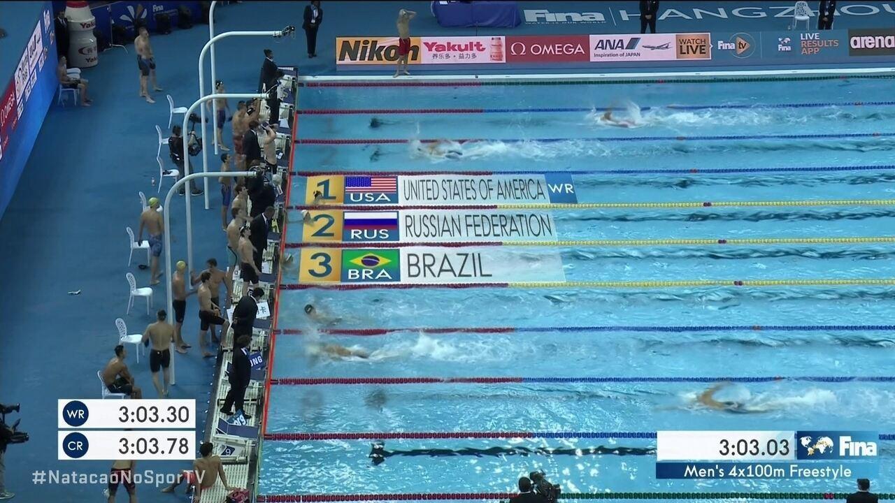 Brasil ganha medalha de bronze no 4x100m nado livre no Mundial de piscina curta