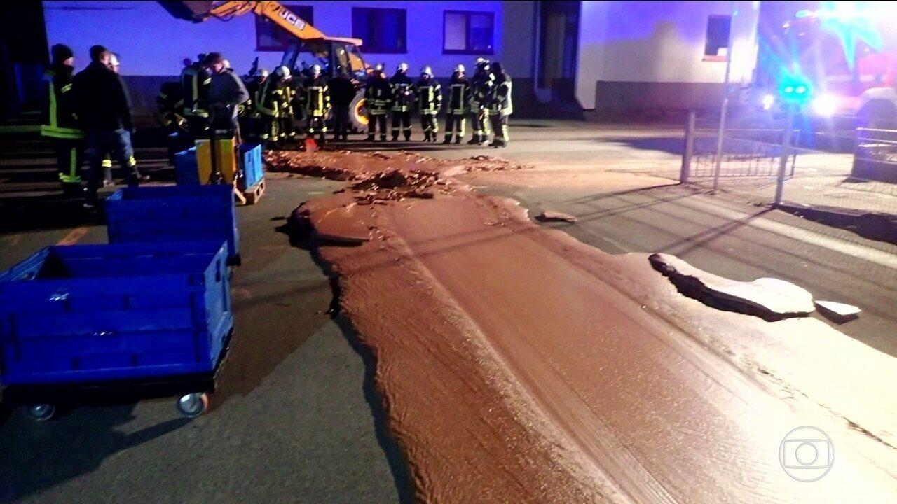 Rio de chocolate invade rua de uma cidade na Alemanha