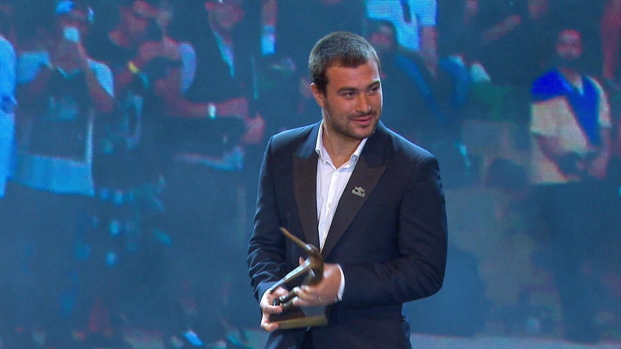 Pedro Barros recebe homenagem pelo skate no Prêmio Brasil Olímpico