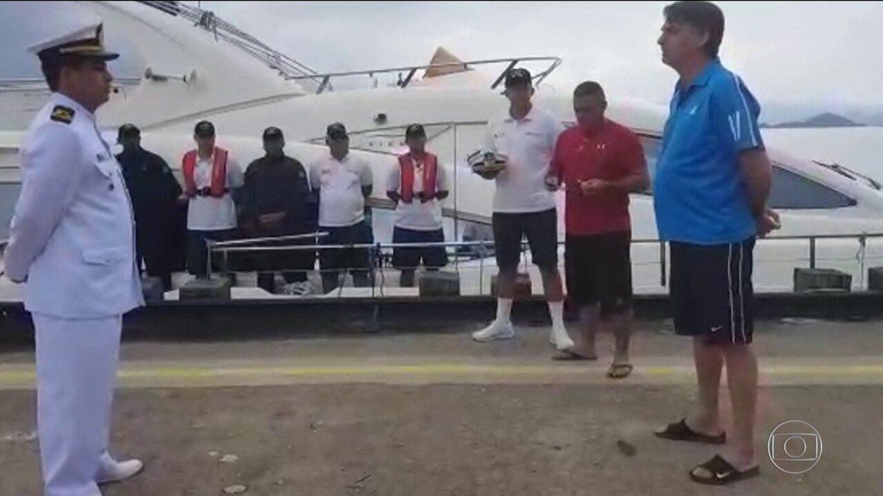 Jair Bolsonaro passa o Natal na Restinga da Marambaia, no Rio