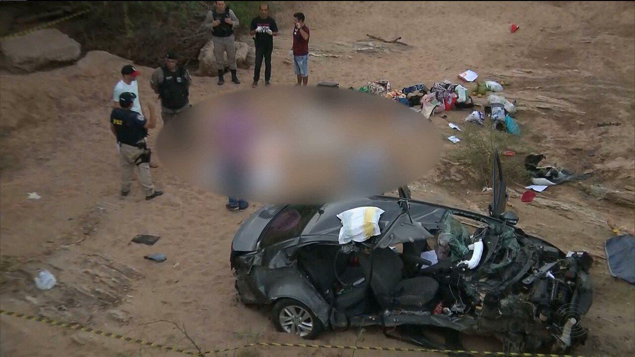 Três pessoas morreram e duas ficaram feridas em acidente de trânsito