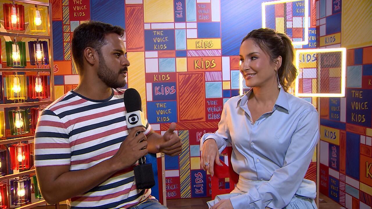 Pablo conversa com os técnicos e apresentadores do 'The Voice Kids' sobre a nova temporada