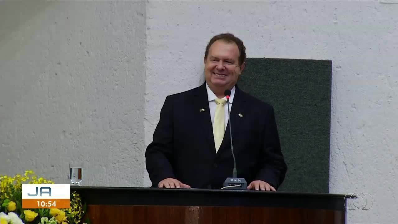 Governador Mauro Carlesse toma posse em cerimônia na Assembleia Legislativa