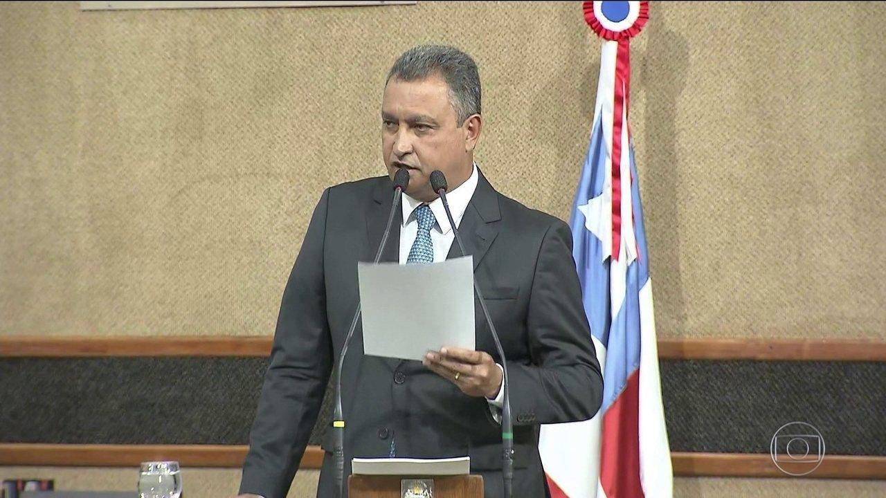 Resultado de imagem para Na bahia governador reeleito Rui Costa, do PT, toma posse