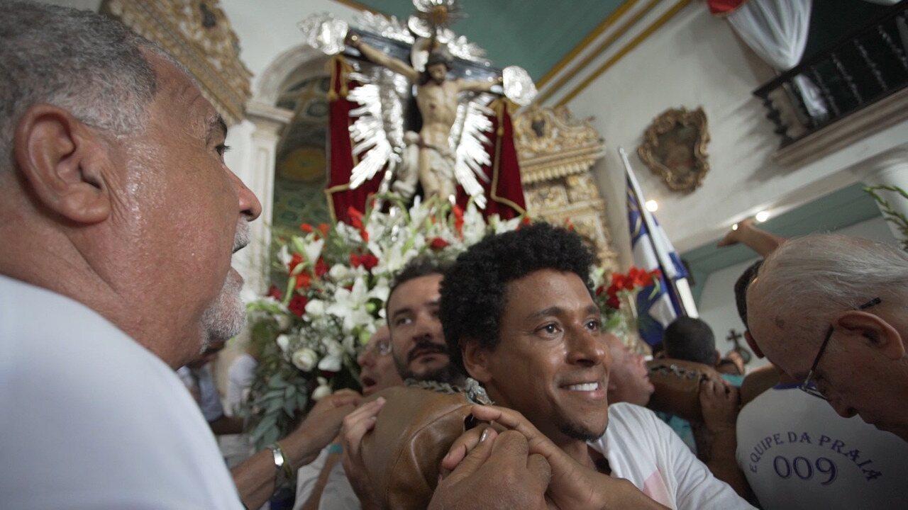 Acompanhe a festa de Bom Jesus dos Navegantes pelo olhar de uma devota