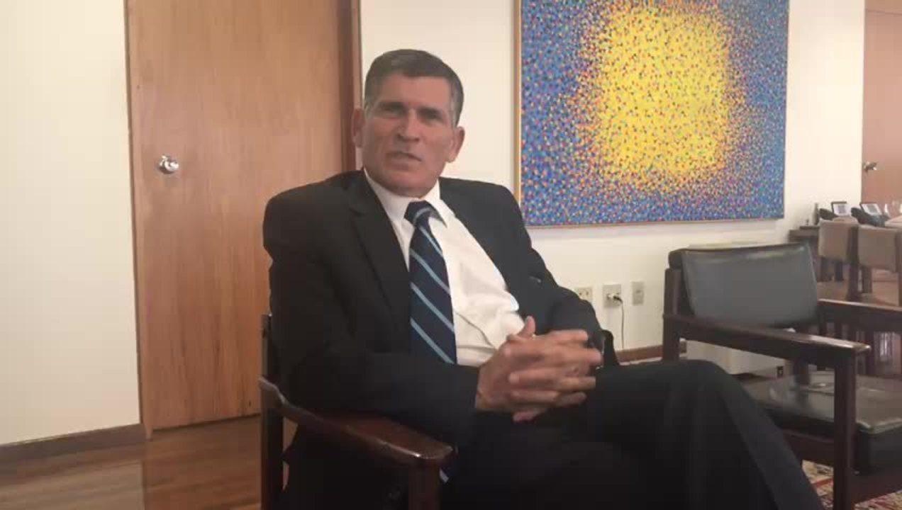 Ministro Carlos Alberto dos Santos Cruz deu entrevista no Palácio do Planalto