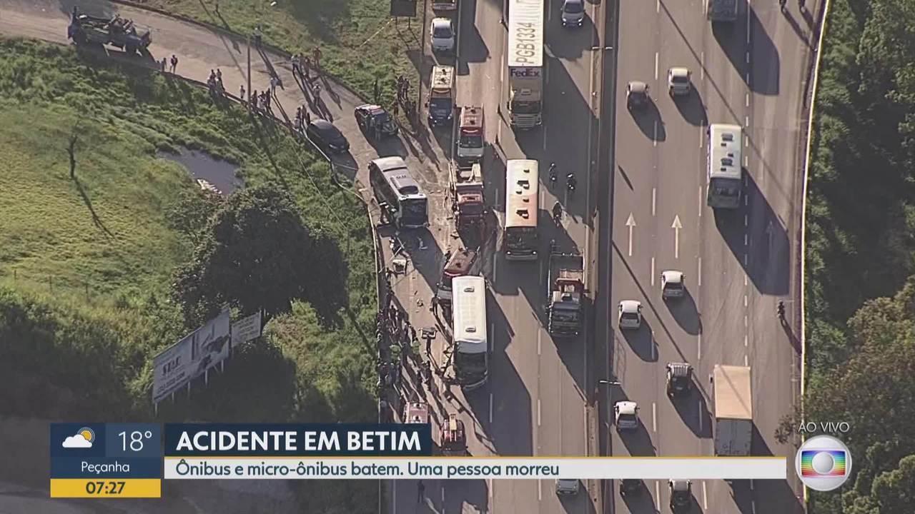 Acidente deixa trânsito lento na Rodovia Fernão Dias, em Betim, na Grande BH