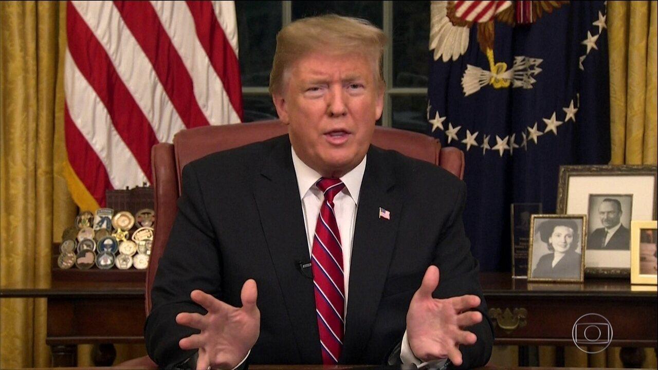 Presidente dos EUA faz apelo na TV por muro na fronteira com o México
