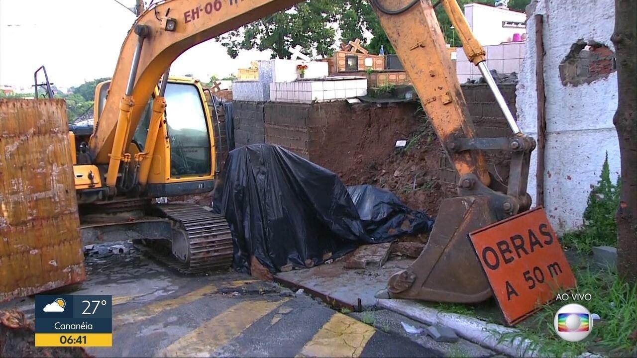 Muro do cemitério desaba por causa da chuva em Santo André