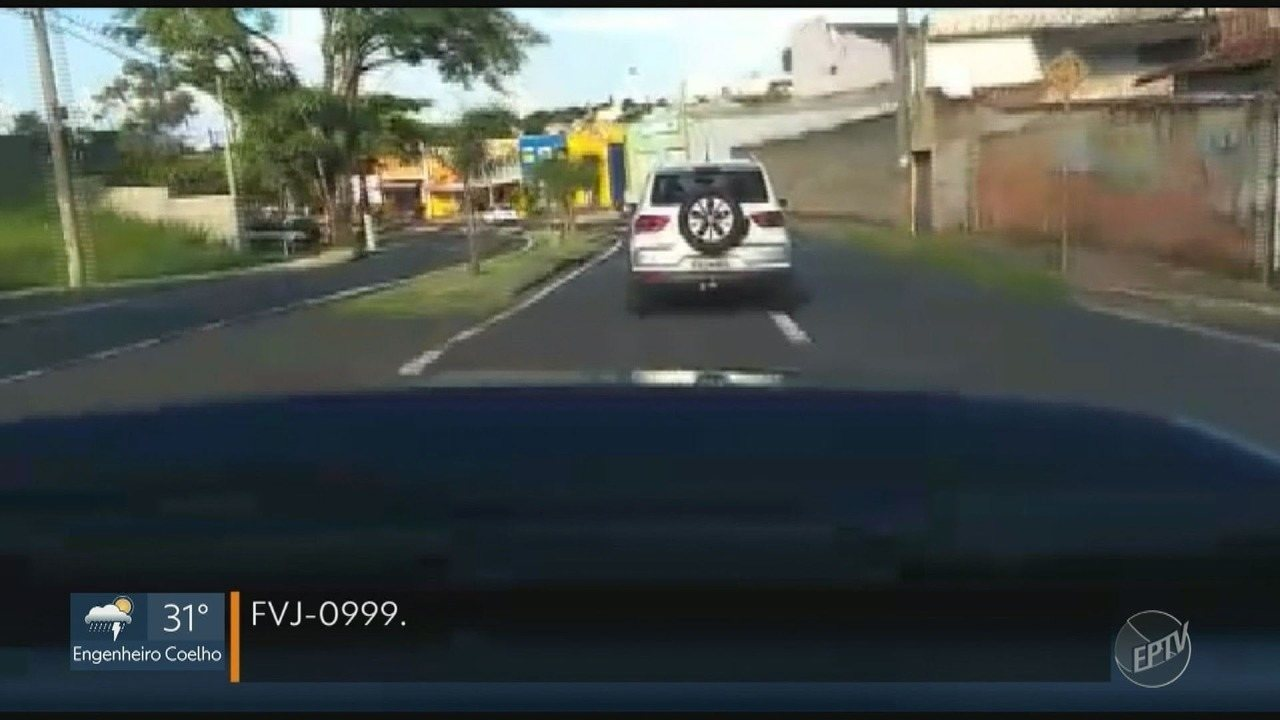 Carro roubado atropela motociclista durante fuga em Piracicaba