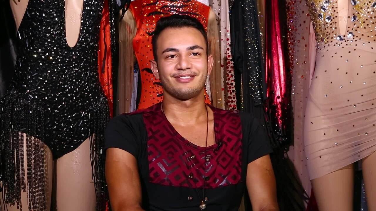 Conheça o trabalho de Kelvin Mendes, estilistas das estrelas do carnaval de SP