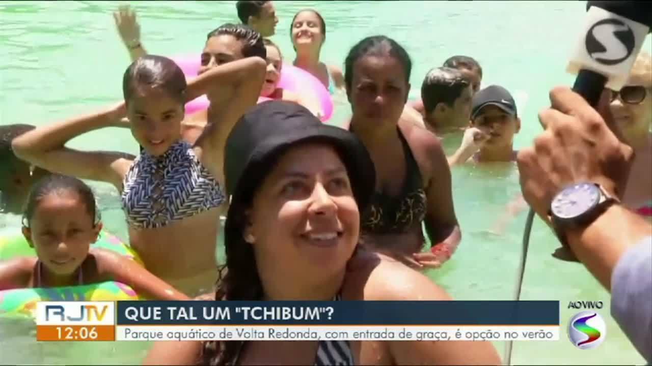 Parque aquático de Volta Redonda, com entrada de graça, é opção no verão