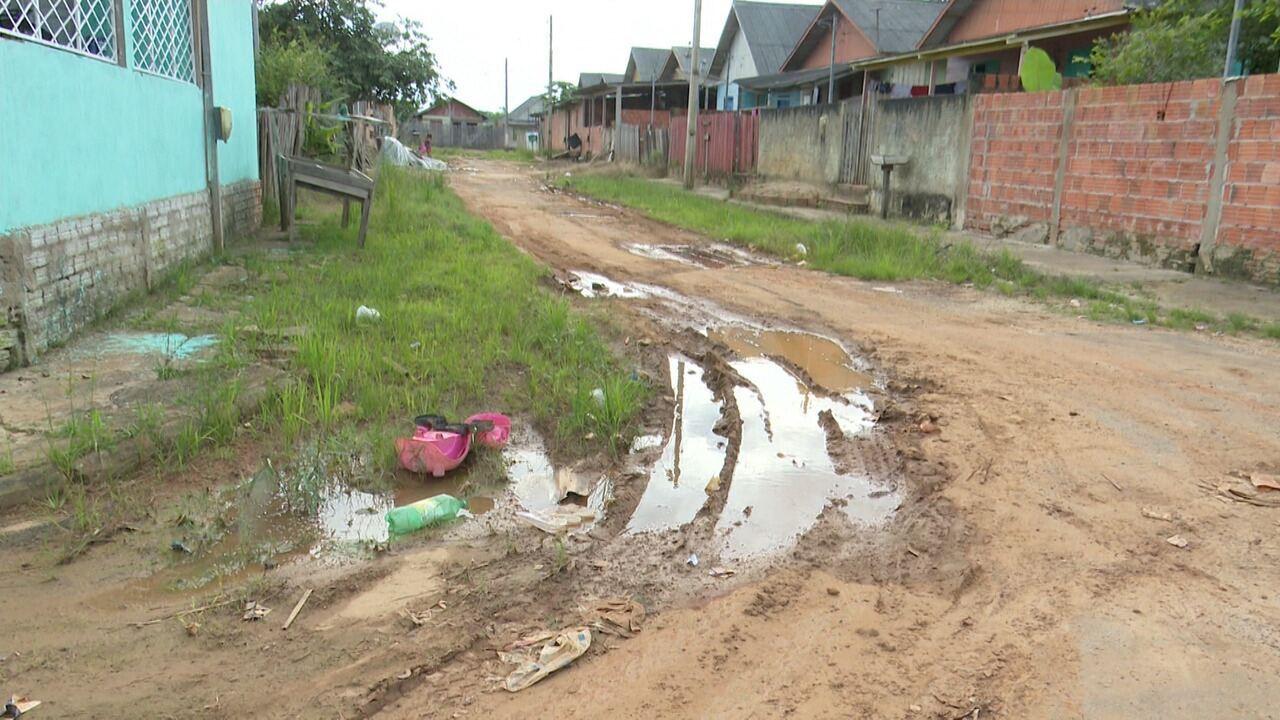 Moradora do bairro Aroeira reclama que rua está sem manutenção