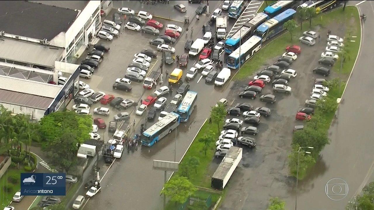 Temporal deixa São Paulo em estado de atenção para alagamentos
