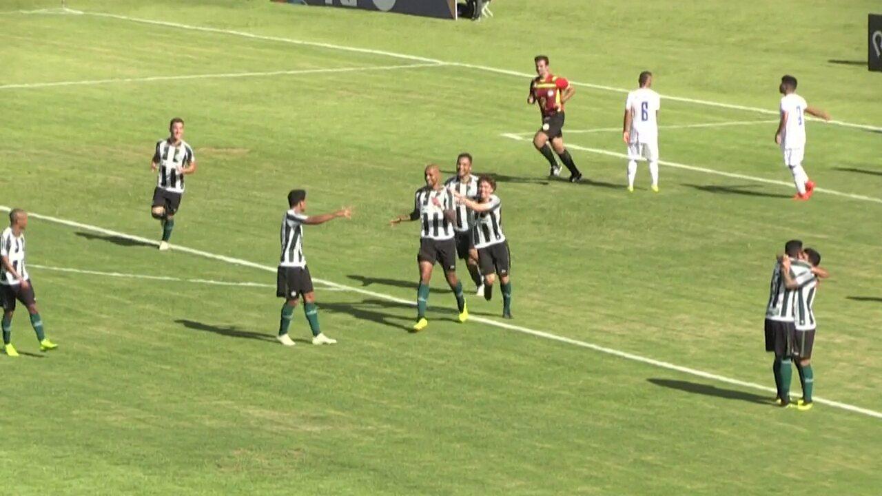 Gol do Coritiba! Alan Costa aproveita o bate e rebate e faz o segundo gol em Foz
