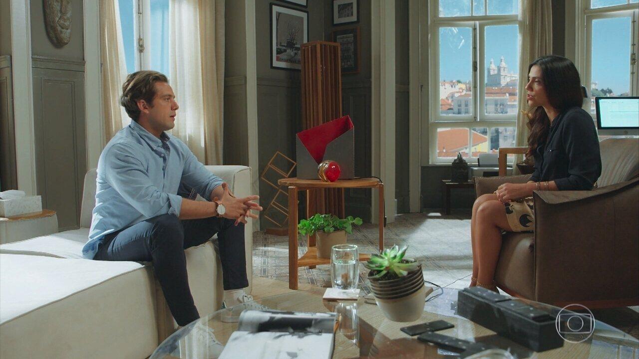 Daniel afirma a Letícia, sua terapeuta, que sonha com uma mulher desconhecida
