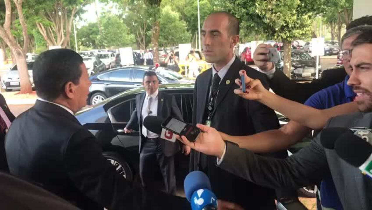 'Pessoal está se antecipando ao inimigo', diz Mourão sobre embargo da Arábia a frango