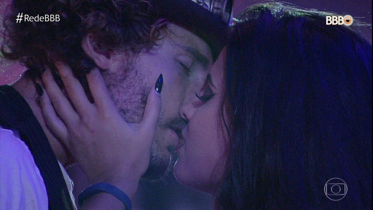 Hana e Alan se beijam e sister se estranha com Diego