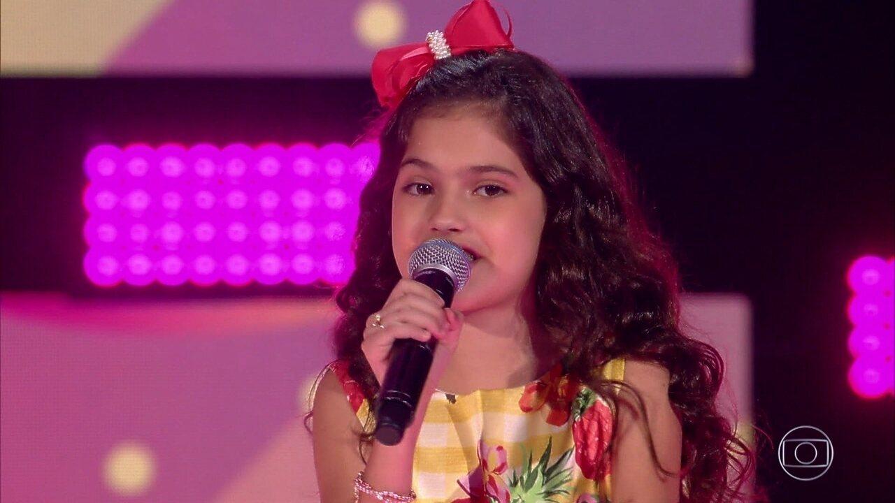 Palloma Gueiros canta 'Carinhoso'