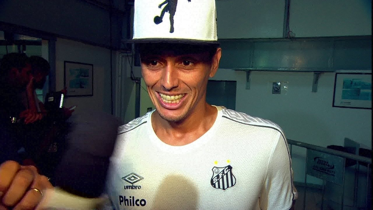 Pituca fala sobre vitória do Santos no clássico e as orientações de Sampaoli