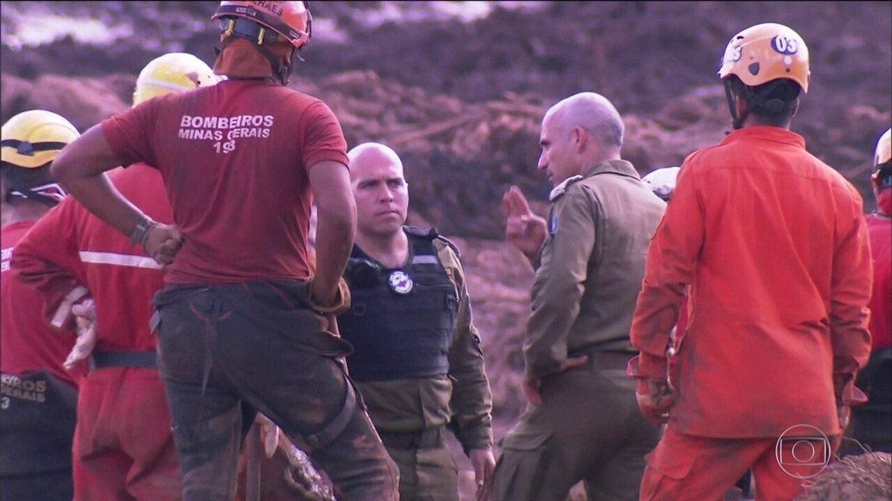 Militares israelenses se juntam às equipes de resgate em Brumadinho
