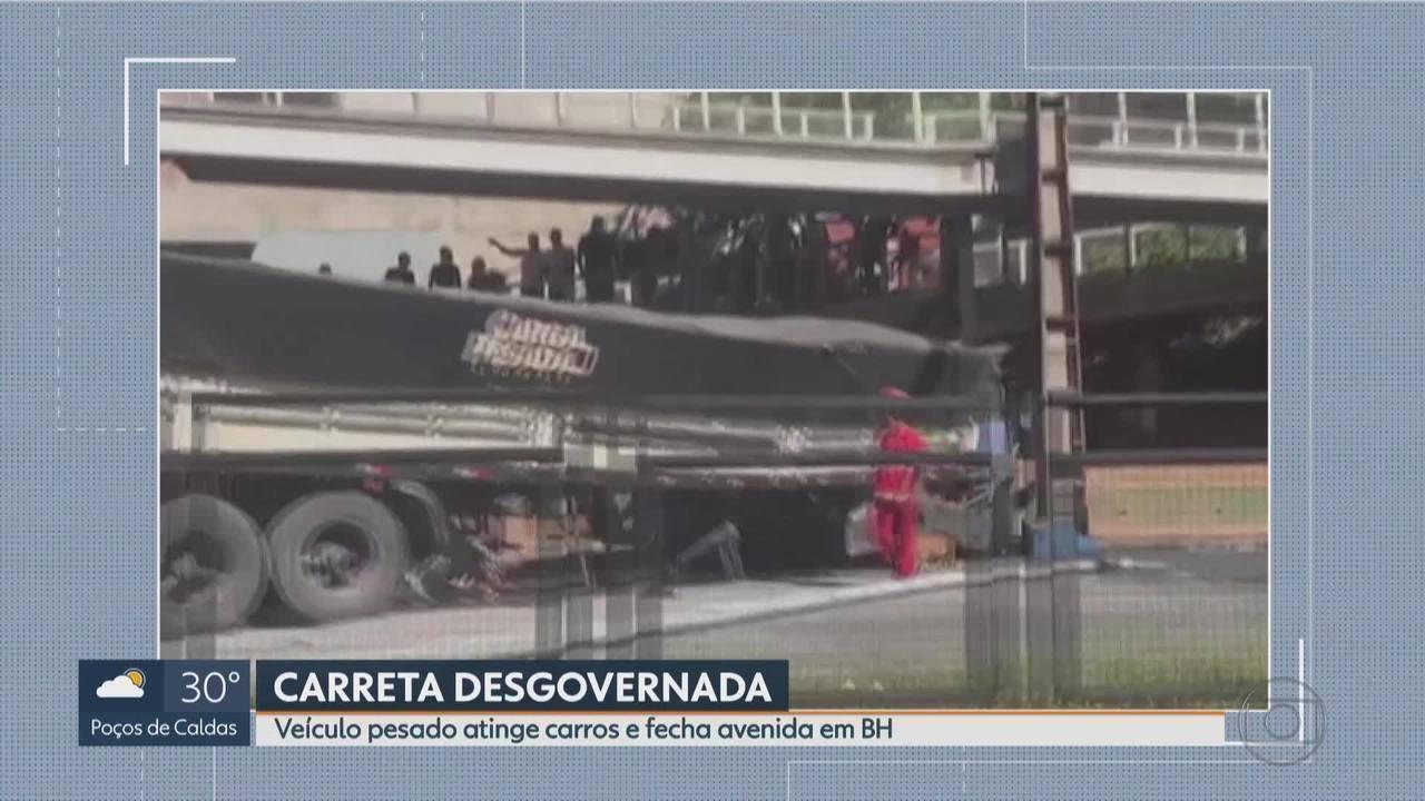 6bf0707a0d Carreta desgovernada bate em carros e deixa feridos em acidente em Belo  Horizonte