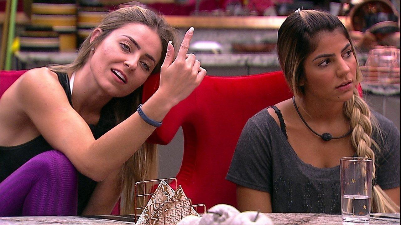 Paula solta ameaça para Alan: 'Deixa ele comigo'