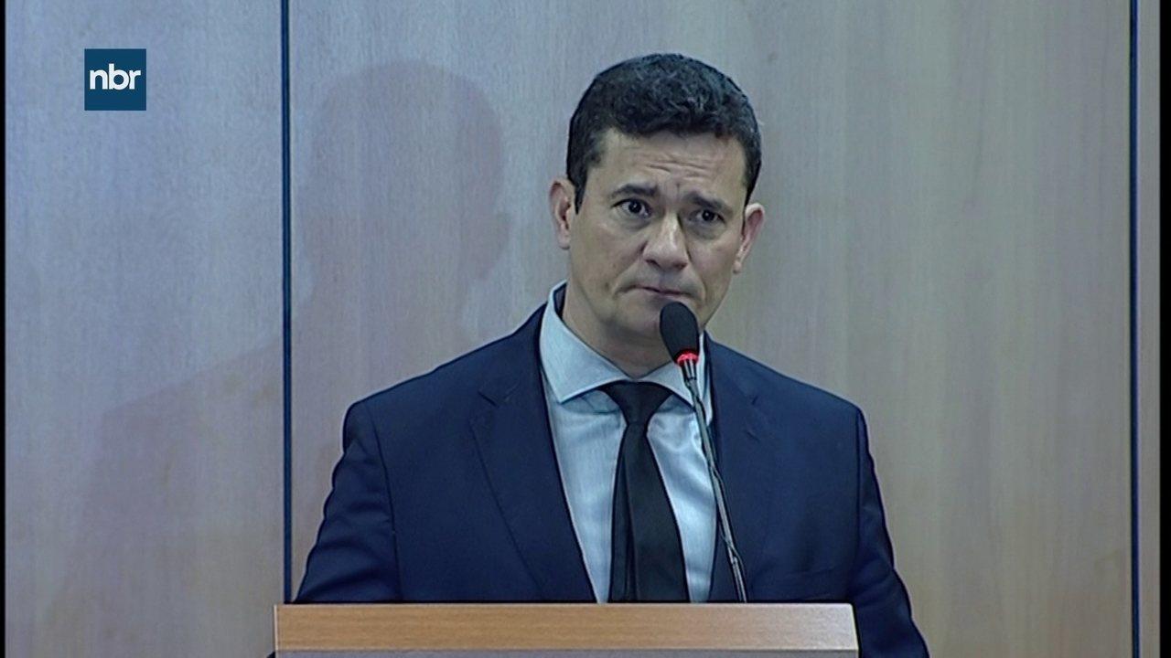 Sérgio Moro apresenta projeto de lei anticrime que endurece pena contra corrupção
