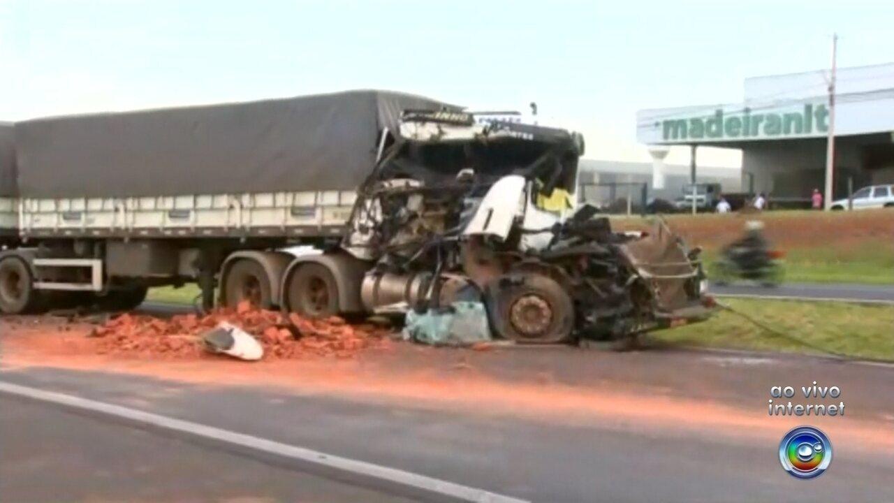 Rodovia Washington Luís registra dois acidentes na manhã desta terça-feira
