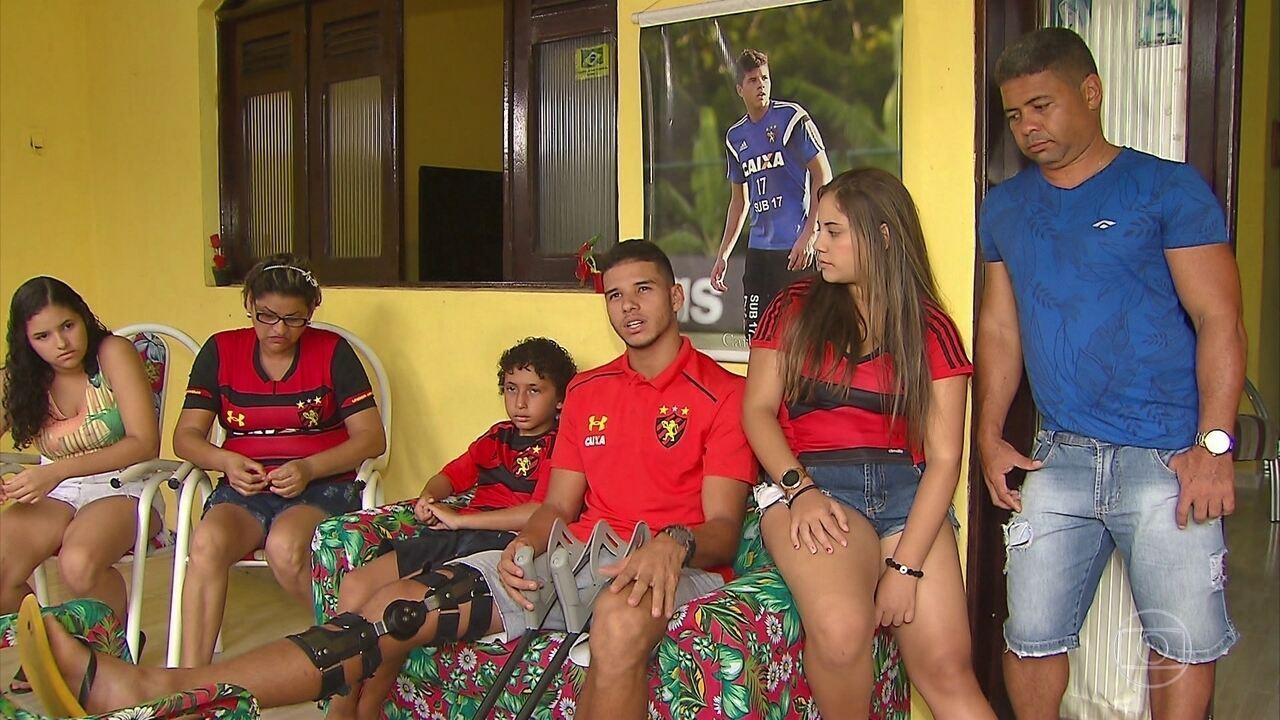 Em recuperação de lesão, Chico encontra forças na família para dar volta por cima no Sport