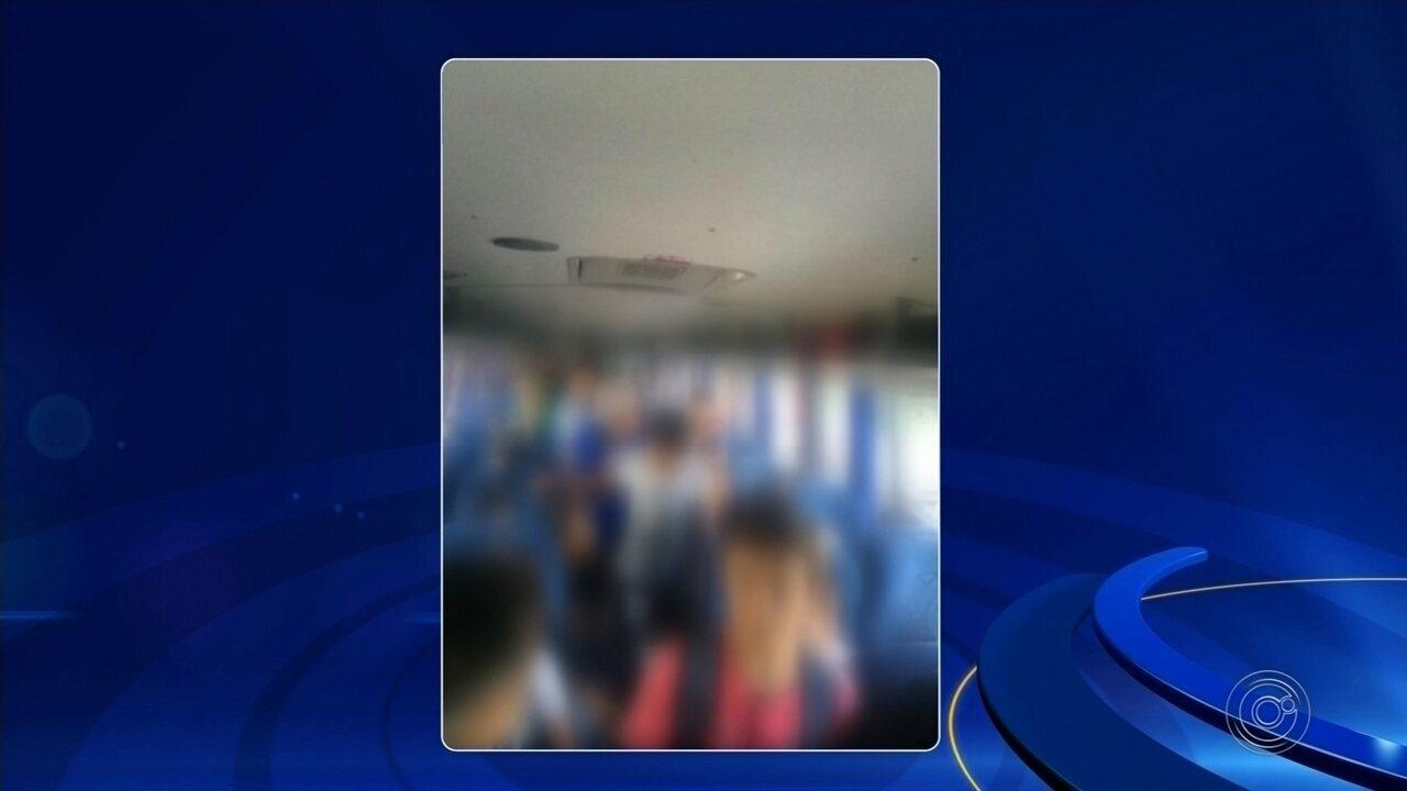 Moradora flagra ônibus escolar lotado em Itapetininga