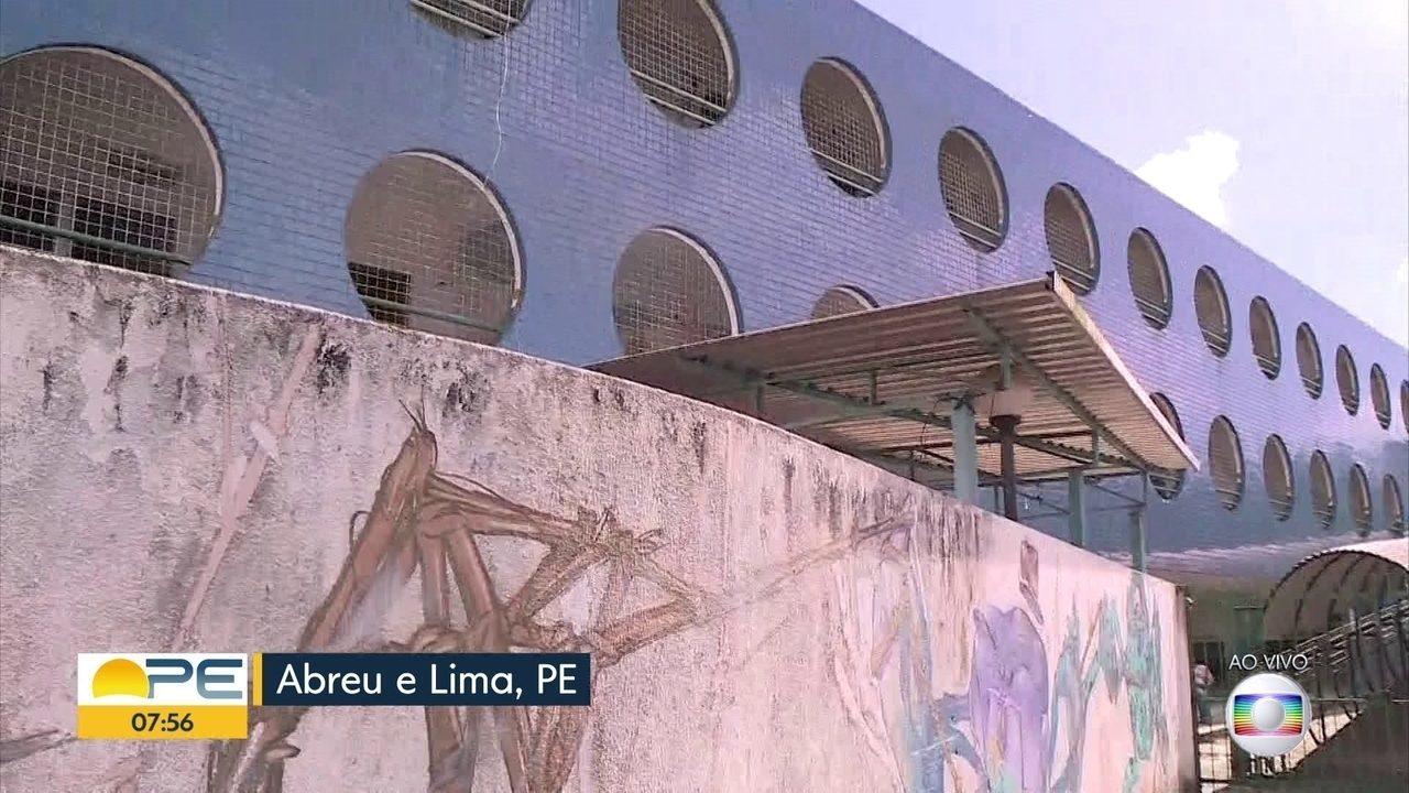Início das aulas em Abreu e Lima é adiado por atraso na contratação de professores