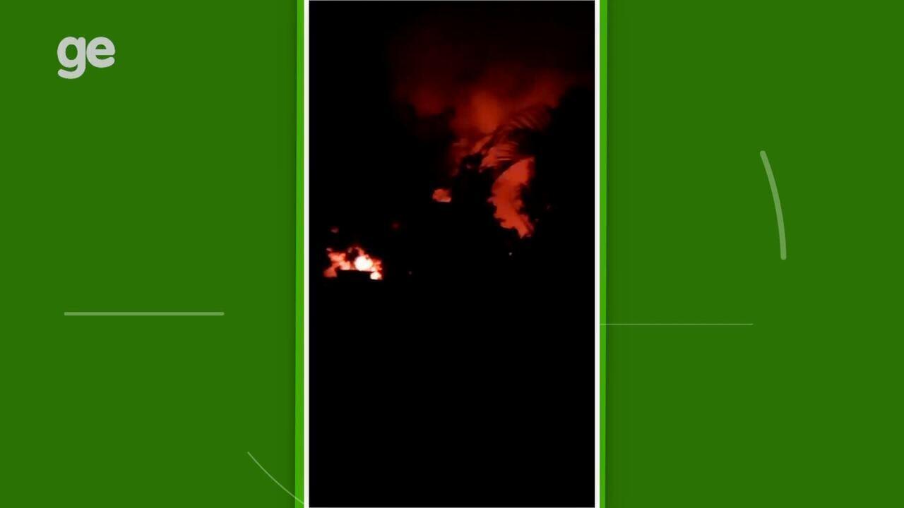 Vizinho ao Ninho do Urubu filma incêndio que vitimou 10 atletas da base do Flamengo