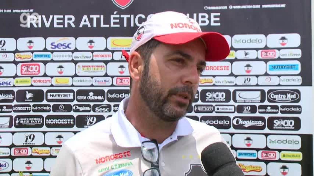 """Rodrigo Fonseca: """"Com os atletas que temos, não tem muito que fazer"""""""