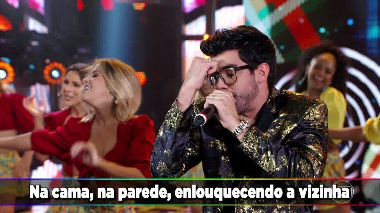 Gabriel Diniz canta 'Safadezinha'