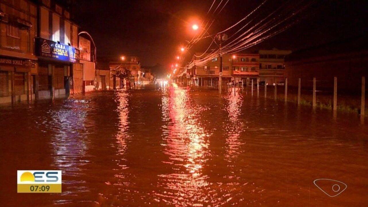Defesa Civil de Vitória explica como a cidade se prepara para as chuvas