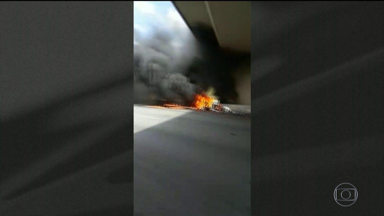 Boletim: imagens mostram cena do acidente do helicóptero em que estava Ricardo Boechat