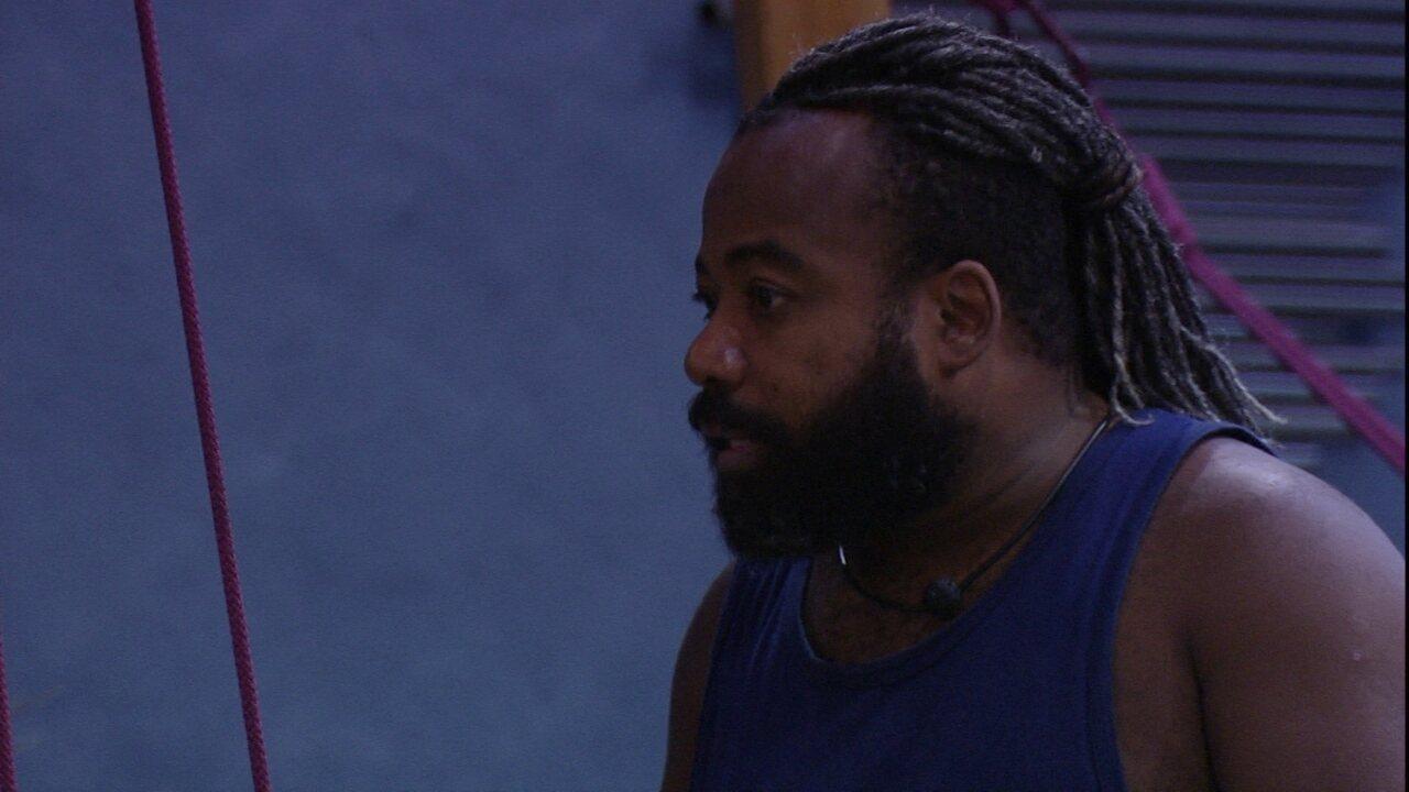 Rodrigo diz que Tereza precisa ser a madura na treta com Paula