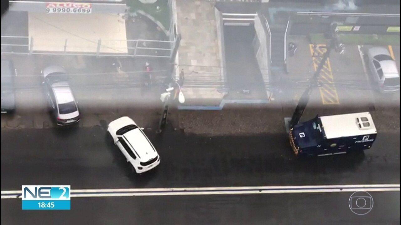 Assalto a carro-forte deixa vigilante morto e três feridos no Recife