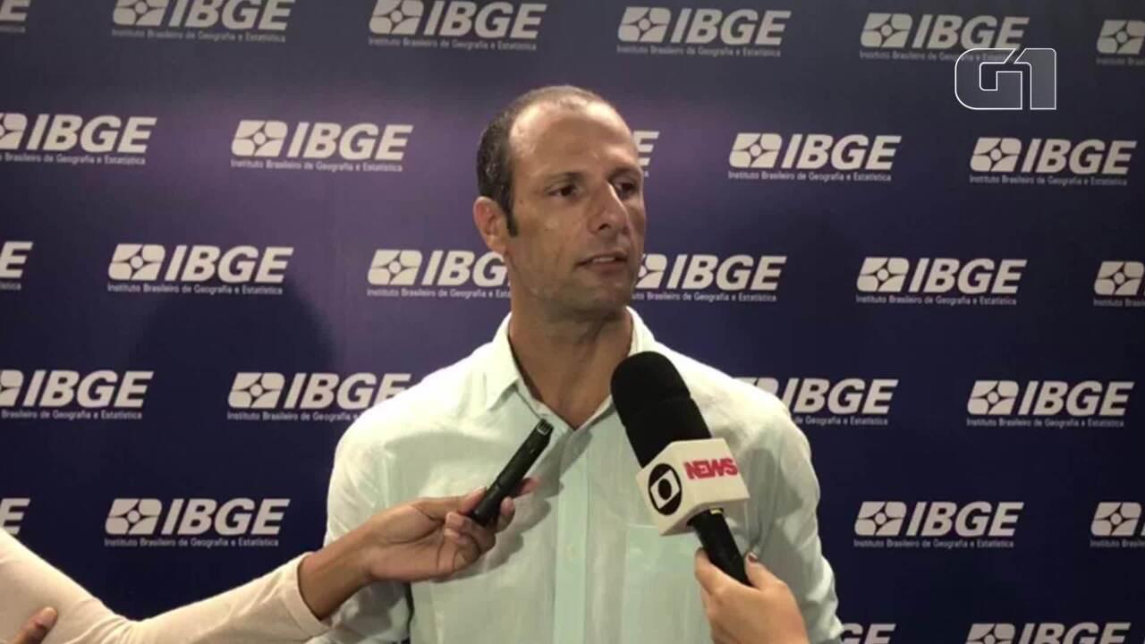 Setor de serviços tem quarta queda anual seguida, com perda acumulada de 11,1%, diz IBGE