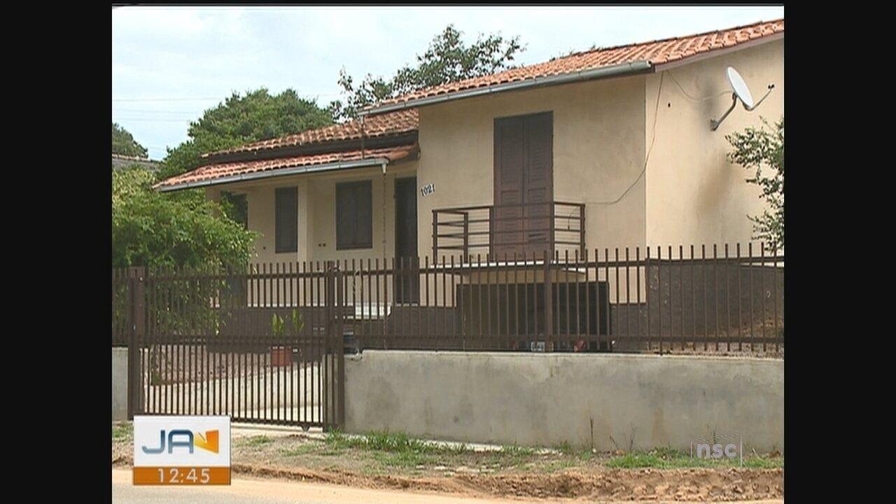 Mulher de 32 anos é encontrada morta em Içara; polícia investiga