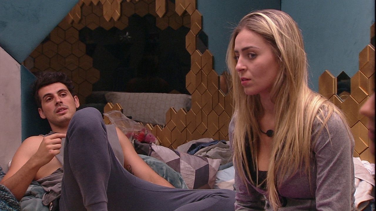 Paula afirma: 'Não vou votar no Alan e na Tereza'