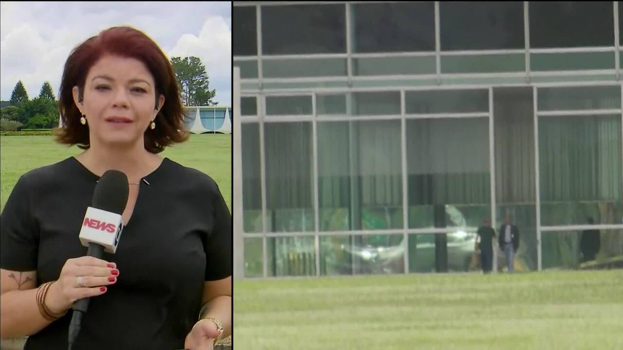 Em meio à crise do governo com Bebianno, Onyx se reúne com Bolsonaro